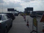 صور.. المرور: تحويل حركة السيارات بسبب إصلاحات التشققات بمحور 26 يوليو