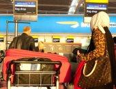 الشرطة البريطانية تعترف: إجبار سيدة على خلع الحجاب في المطار غير قانونى