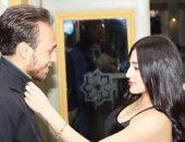 شاهد ..محمد عنتر يستعد لعودة الدوري بالملابس الرياضية مع زوجته دنيا الحلو