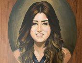 """آيتن عامر توجه الشكر لـ""""رسامة"""" أهدتها بورتريه لها ولزوجها.. صور"""