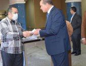 """جامعة سوهاج تتبنى مبادرة لتصنيع """"الكمامات"""" للوقاية من فيروس كورونا المستجد"""