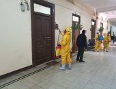 صور .. تعقيم وتطهير مبنى إدارة جامعة بنها للوقاية من كورونا