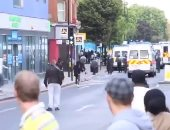اشتباكات بين الشرطة ومواطنين ببريطانيا.. والمتاجر تدعو الجيش للمساعدة