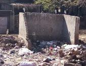 أهالى قرية عرب كيما فى كوم أمبو يشكون تراكم القمامة