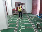 صور..شباب عزبة البرنس يتطوعون لتعقيم المساجد ضد كورونا