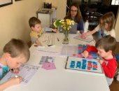 في زمن كورونا.. 4 نصائح لبيئة عمل هادئة بالمنزل أثناء وجود الأطفال