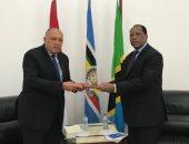 وزير الخارجية يلتقى نظيره التنزانى ويسلمه رسالة الرئيس بشأن سد النهضة