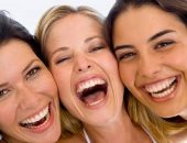هل من الممكن أن يساعدك الضحك الكثير على محاربة الأمراض والفيروسات؟
