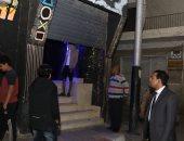 نائب محافظ قنا يتابع تنفيذ قرار غلق المطاعم والمقاهى والمحال التجارية.. صور