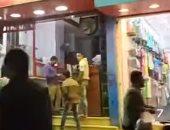 المحلات التجارية فى العمرانية تتحدى قرارات الإغلاق.. فيديو