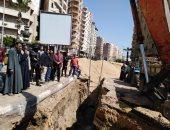صور.. محافظ البحيرة يتفقد مشروع تجديد شبكات الصرف الصحى بدمنهور