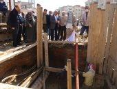 محافظ السويس يتفقد أعمال إصلاح الهبوط الأرضى بشارع النيل في الأربعين.. صور