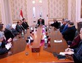وزير الإعلام يطالب بتكثيف الرسائل الإعلامية للتوعية بمخاطر انتشار كورونا