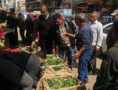 صور.. فض 5 أسواق بمدينة قطور فى الغربية لمواجهة فيروس كورونا