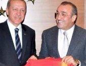 إصابة صديق أردوغان بكورونا.. وعزل لاعبو نادى جالطا سراى بعد لقائهم معه