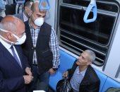 """وزير النقل: """"عدد ركاب المترو اقترب من مليون اليوم.. الناس مبقتش خايفة"""""""