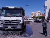 الوحدة المحلية بالغردقة تستكمل عملية تعقيم وغسيل الشوارع لمواجهة كورونا ..صور