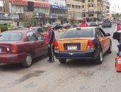 الهلال الأحمر بالغردقة يشكل فرق متطوعين لتعقيم شوارع المدينة.. صور