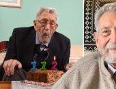 أكبر معمر فى العالم يقضى عيد ميلاده الـ 112 وحيدًا بسبب كورونا