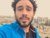 """شاهد رامى عاشور بطل الاسكواش يغنى """"تحيا مصر"""""""