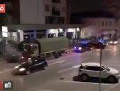 أسطول من سيارات الجيش الإيطالى ينتظر استلام الجثث بعد تسجيل 541 حالة وفاة..فيديو