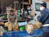 فيديو.. مصريون يتطوعون بتجهيز وجبات غذائية مجانا للمحتاجين بشمال إيطاليا