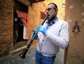 دراسة أمريكية تكشف إمكانية انتقال فيروس كورونا من خلال عزف الموسيقى