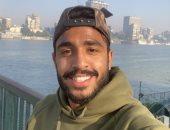 جماهير الأهلى تلتقط صورًا تذكارية مع كهربا على كورنيش النيل