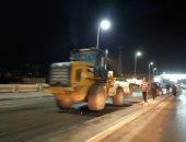 رفع الأتربة وتطهير شوارع الغربية أثناء حظر التجوال بالغربية.. صور