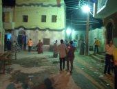 صور.. نائبة مدينة إسنا تفض تجمع لحفل زفاف بقرية الدير وتعقيم المنطقة