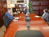 وزير التنمية المحلية يبحث مع البنك الدولى التعاون فى مشروعات تحسين جودة الهواء