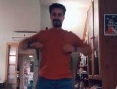 """عيلة فرفوشة.. أحمد داود فى  رقصة جديدة مع علا رشدى وأبنائهما على """"تيك توك"""""""