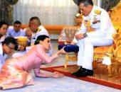 بسبب فيروس كورونا.. ملك تايلاند يعزل نفسه فى جبال الألب مع 20 فتاة