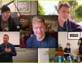فيديو.. أبناء أعضاء Backstreet Boys يشاركون بحفل أطلقه التون جون من أجل الخير
