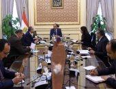 رئيس الوزراء يتابع تداعيات فيروس كورونا على قطاعى السياحة والطيران