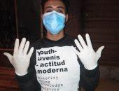 """بالكمامة والجوانتى.. """"ياسر"""" يشارك فى مبادرة اليوم السابع لمحاربة كورونا"""