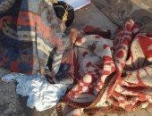 احنا معاك.. قارئة تشارك صورة لسيدة بلا مأوى بجوار قسم شرطة السيدة زينب