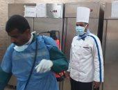 صور.. تعقيم مستشفى الأقصر العام بعد إصابة ممرض بكورونا وعزل 50 مخالطا له