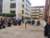محافظ الجيزة: المدارس ساعدت على منع الزحام أمام مكاتب البريد