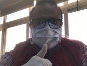"""بالجوانتى والكمامة.. """"سامح"""" يشارك فى مبادرة الوقاية من فيروس كورونا المستجد"""