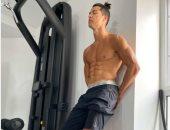 انستجرام نجوم الكرة.. رونالدو يتحدى معجبيه لتقوية عضلات البطن