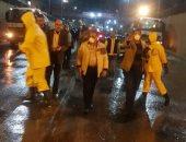 صور.. تطهير وتعقيم شارع 45 وطريق الطابية شرق الإسكندرية