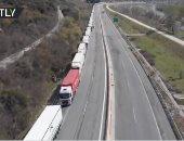 طابور لمئات الشاحنات على الحدود بين اليونان وبلغاريا بسبب كورونا.. فيديو