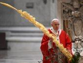 البابا يبدأ أسبوع الآلام وسط الجائحة.. ويؤكد: الوقت هو وقت خدمة الآخرين
