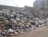 سيبها علينا.. شكوى من انتشار القمامة بمنطقة فيصل