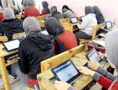 محافظ سوهاج يتابع انطلاق الامتحانات التجريبية لطلاب الصف الأول الثانوى