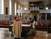 قداس بصور المصلين.. حيل كنائس ألمانيا لتفادى انتشار فيروس كورونا