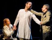 """تعرف على تفاصيل أول عمل مسرحى عن جائحة """"كورونا"""" التى حيرت العالم وغيرته"""