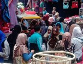 اضبط مخالفة.. تكدس وزحام المواطنين فى سوق الخان بطنطا.. صور