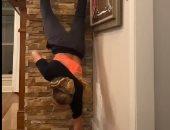 handstand challenge..بطلة أولمبية تتفوق على نجم سبايدر مان فى التحدى..فيديو